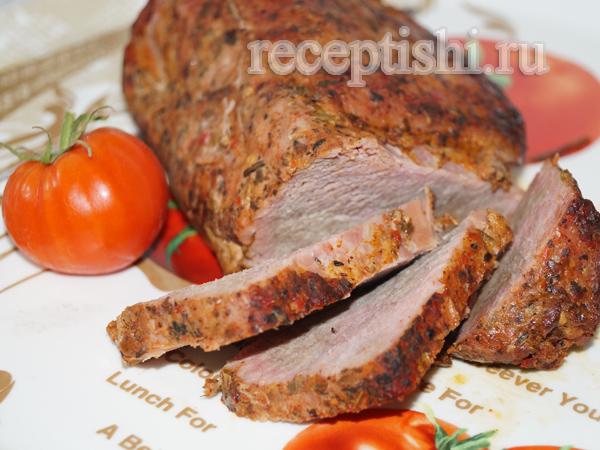 Свинина в томатном соусе, запеченная в рукаве в духовке