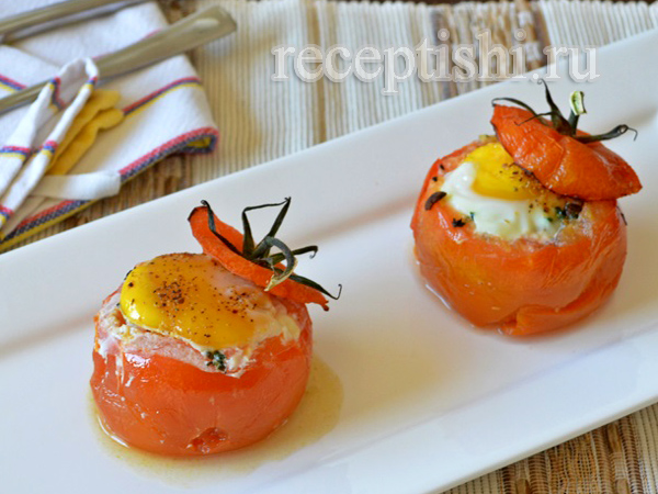 Яйцо, запеченное в томате