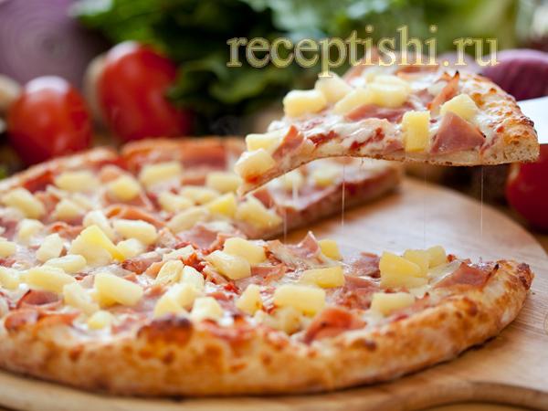 Пицца с ананасом
