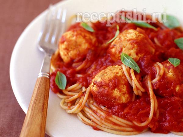 Фрикадельки из курицы в томатном соусе