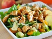 Азиатский салат из курицы с фруктами
