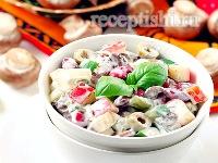 Грибной салат с фасолью и сыром