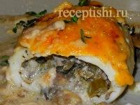 Кальмары, фаршированные грибами, с соусом Бешамель
