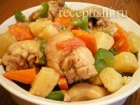 Курица с ананасами и овощами