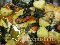 Курица с картошкой и базиликом в духовке