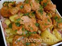 Курица, запеченная с картошкой в духовке