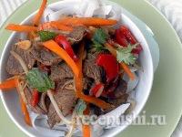 Мясной салат с фрунчозой (рисовой лапшой)