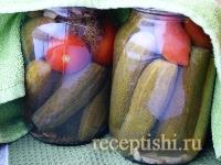 Огурцы, маринованные с томатами