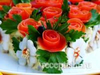 Розы из помидоров для украшения салата