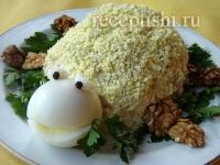 Салат «Черепаха» с курицей и яблоками