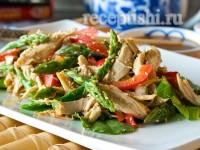 Салат куриный со спаржей и сладким перцем