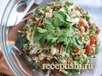 Салат с овощами, мясом и зеленью «Тбилиси»