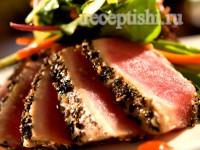 Стейк тунца в пряной панировке
