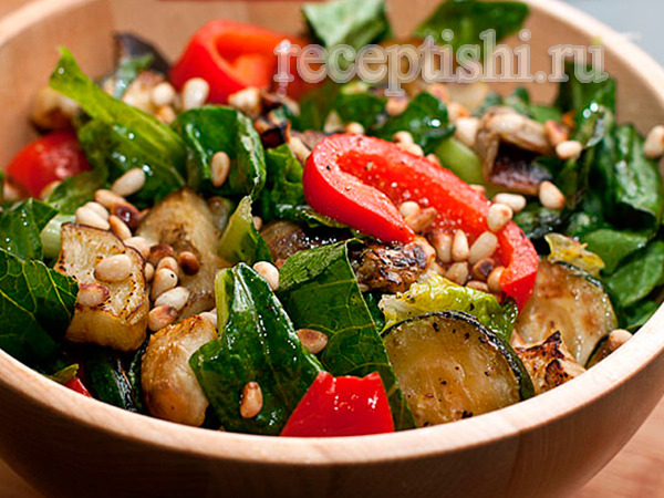 Салат из кабачков с кедровыми орешками