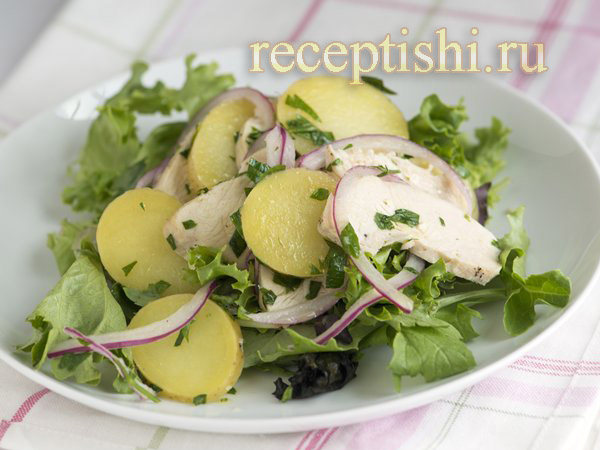 Салат с картофелем, курицей и зеленью