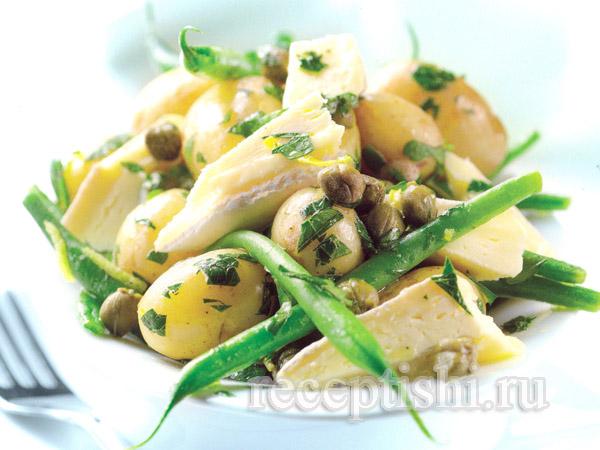 Теплый салат из зеленой фасоли с сыром Бри
