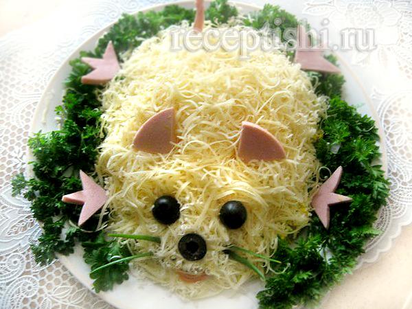 """Сырный салат с колбасой """"Мышка"""""""