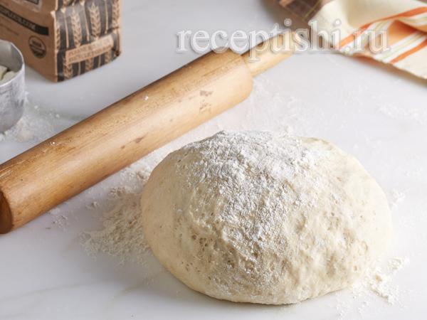 Постное дрожжевое тесто для пирогов с капустой, морковью, луком