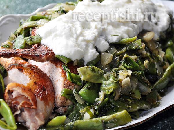 Борани с зеленой фасолью и курицей