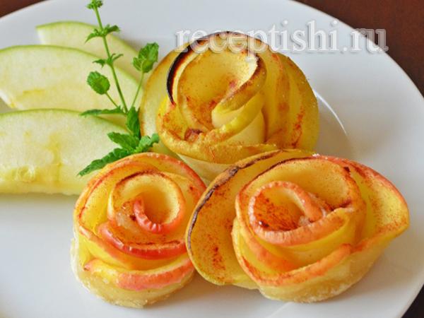 Яблоки в тесте Розы